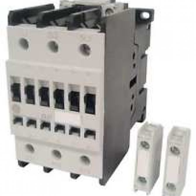 CONTACTOR GENERAL ELECTRIC Ref: CL07A300M
